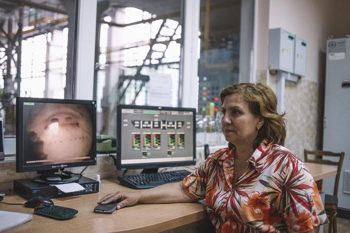 Nadejda Carimovna, tehnologul principal al fabricii de sticlă